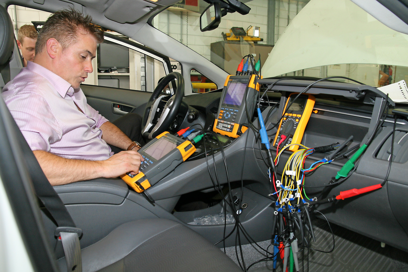 Toyota geeft lesmateriaal aan beroepsonderwijs autotechniek