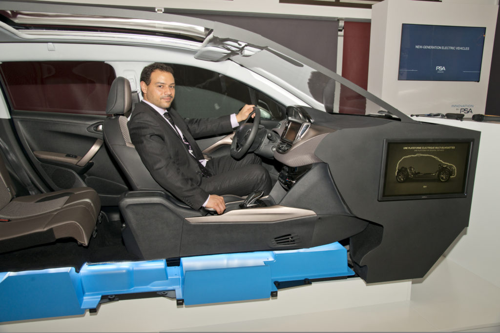 Chef ontwikkeling Le Borgne laat op een CMP platform zien dat de binnenruimte niet lijdt. De kentekenplaat zegt al: model 2008 BEV.
