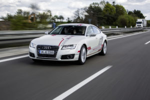 Audi test car-to-x-communicatie op de Autobahn