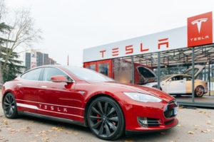 Kabinet wil 'gigafabriek' Tesla in Nederland