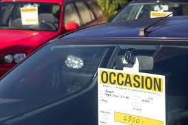 Verkoop tweedehands auto's trekt aan