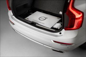 Volvo XC90 met computer die autonoom rijden mogelijk maakt