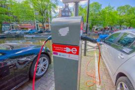 Elektrisch rijden in Amsterdam en in Doetinchem