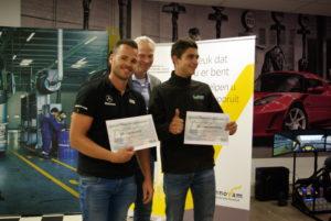 Rik van Gennep (l) en Stijn van den Oever (r) gaan door naar de finale van 'Autotechnicus van de Toekomst'. Wie van hen volgt Titelhouder Jesse Sassen op?
