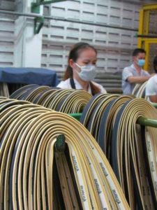 Grafeen is heel erg licht. Dat kan stofwolken veroorzaken die de gezondheid van productiemedewerkers bedreigen.