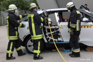 Euro NCAP wil gaan kijken naar bevrijden van inzittenden, bijvoorbeeld na een crash: zijn daar goede aanwijzingen voor, hoe moeilijk is het, waarmee moeten redders rekening houden?