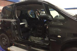 Waarom wil de schuifdeur van een Peugeot 1007 niet open?